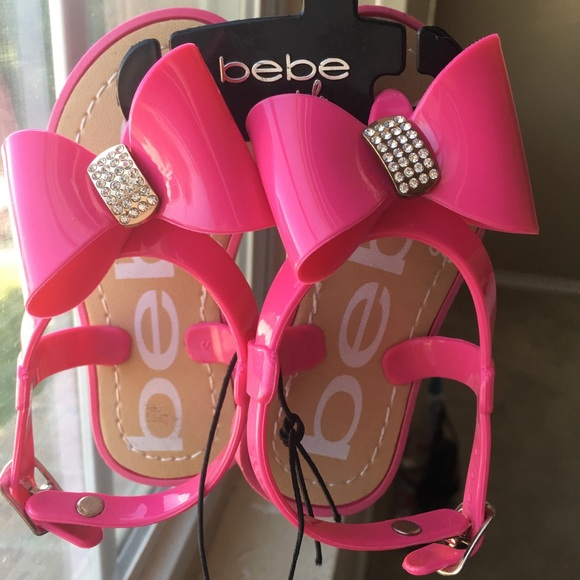 401f32be1a518 Bebe little girls rhinestone bow sandals!